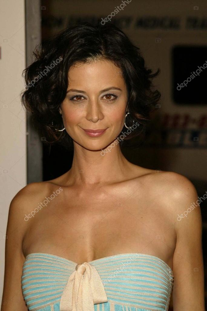 Catherine Bell Nude Photos 34