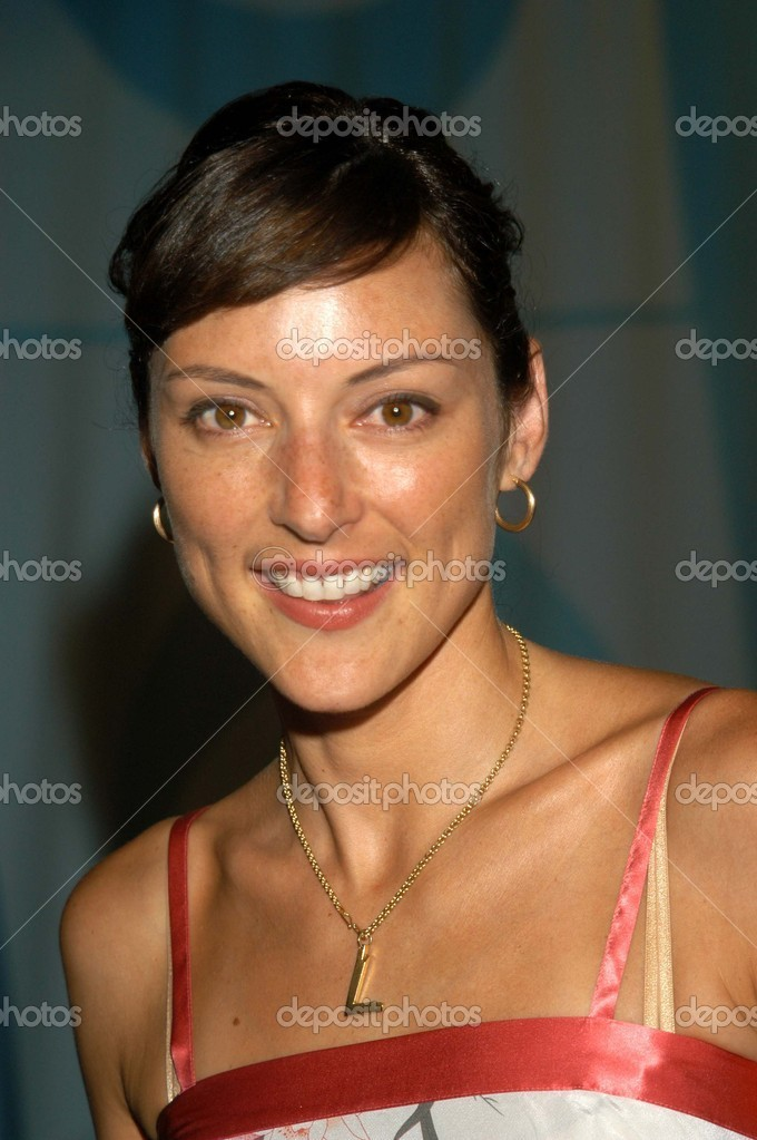 Lola Glaudini dating