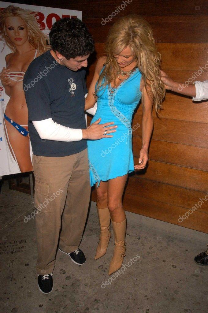 Jason Biggs And Nikki Ziering Stock Photo