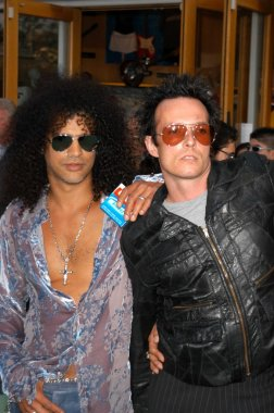 Slash and Scott Weiland