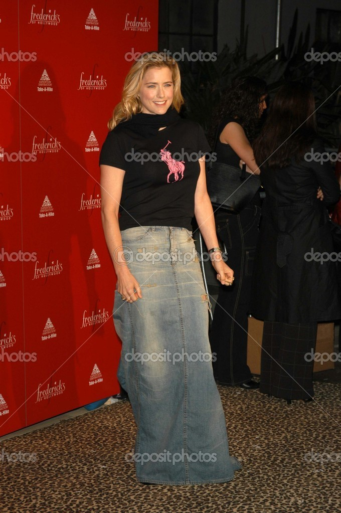 All about tea leoni legs opinion you