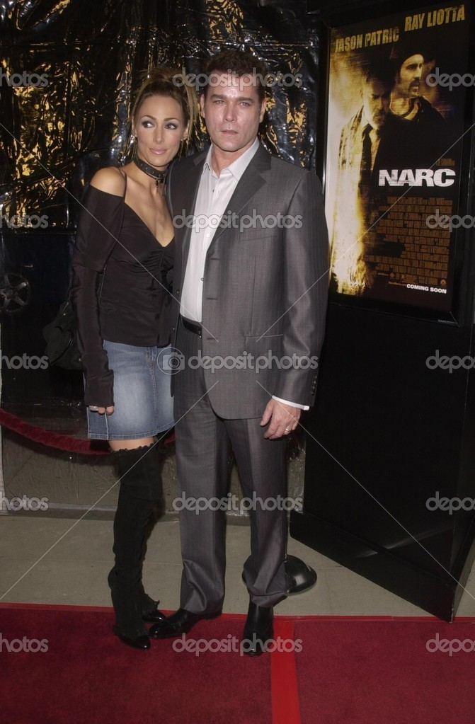 Ray Liotta and wife Michelle Grace – Stock Editorial Photo ...