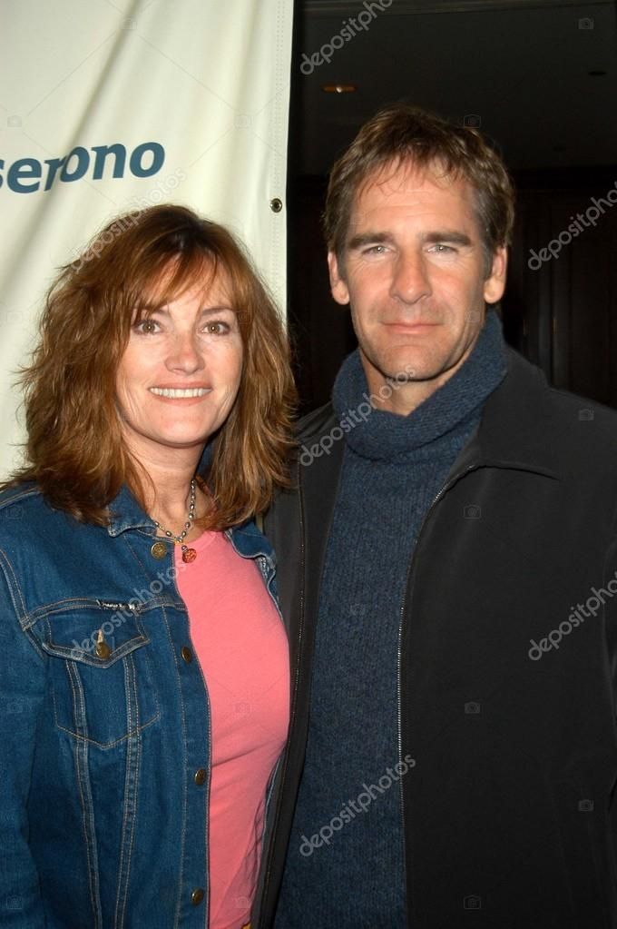 Scott Bakula and wife Chelsea Field – Stock Editorial ...