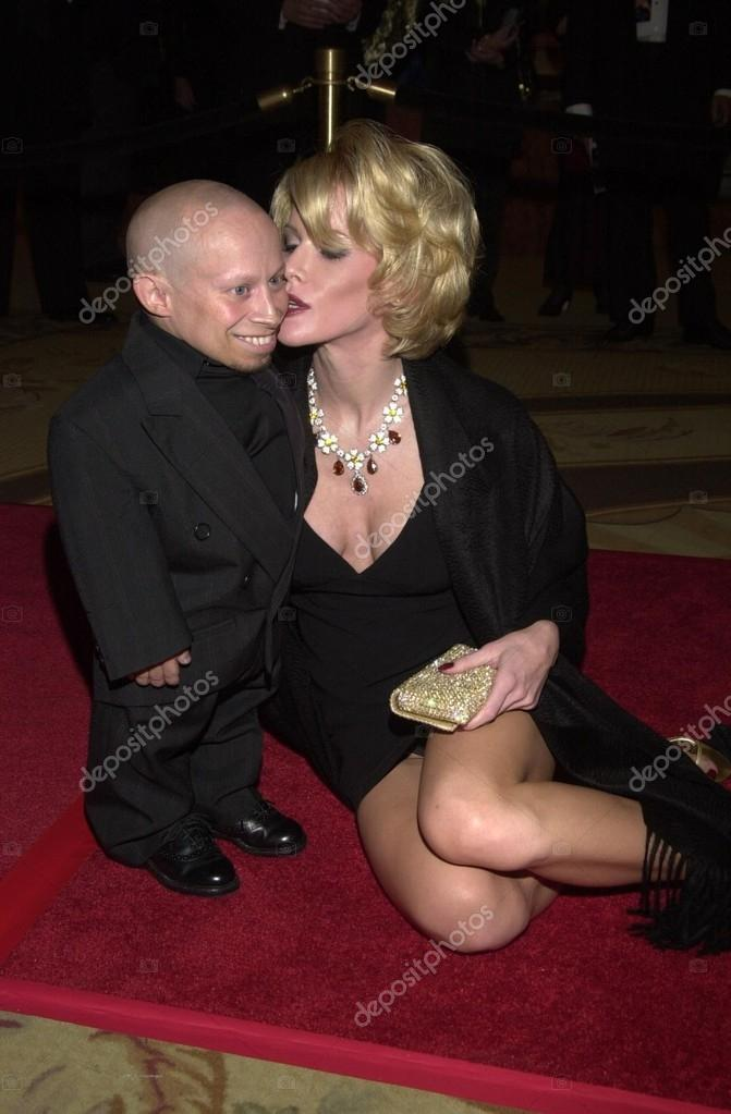 Verne Troyer And Genevieve Gallen Stock Editorial Photo C S Bukley 17810139 Photos genevieve gallen 54 photos. verne troyer and genevieve gallen stock editorial photo c s bukley 17810139