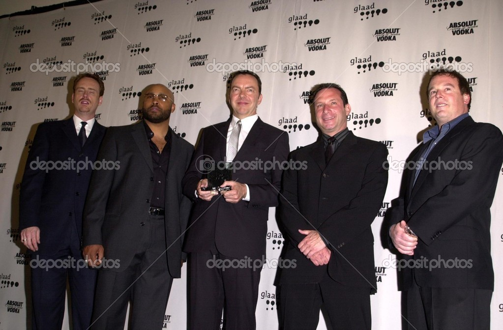 Six Feet Under Cast And Crew Stock P O