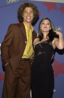 Justin Guarini and Kelly Clarkson