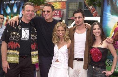 Raja Gosnell, Matthew Lillard, Sarah Michelle Gellar, Freddie Prinze Jr. and Linda Cardellini