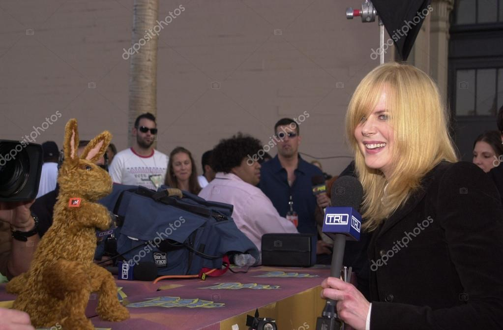 Nicole Kidman Is Interviewed By Greg The Bunny From Fox Tv Stock Editorial Photo C S Bukley 17920787
