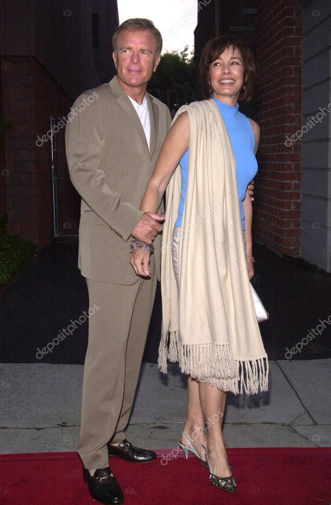 アン ・ アーチャーと夫のテリー...