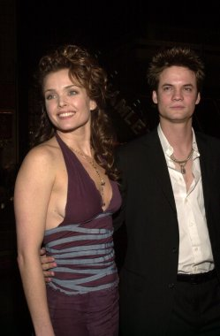 Dina Meyer and Shane West