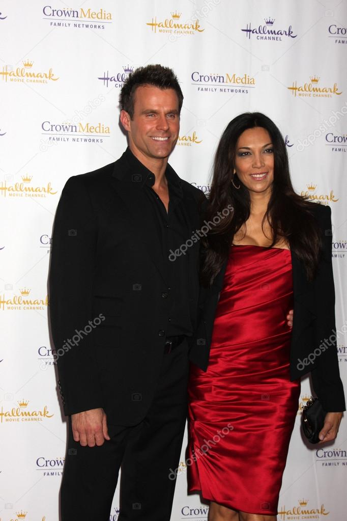 Cameron Mathison And Vanessa Arevalo Stock Editorial Photo C S Bukley 50610815 My house has 46 windows. cameron mathison and vanessa arevalo stock editorial photo c s bukley 50610815