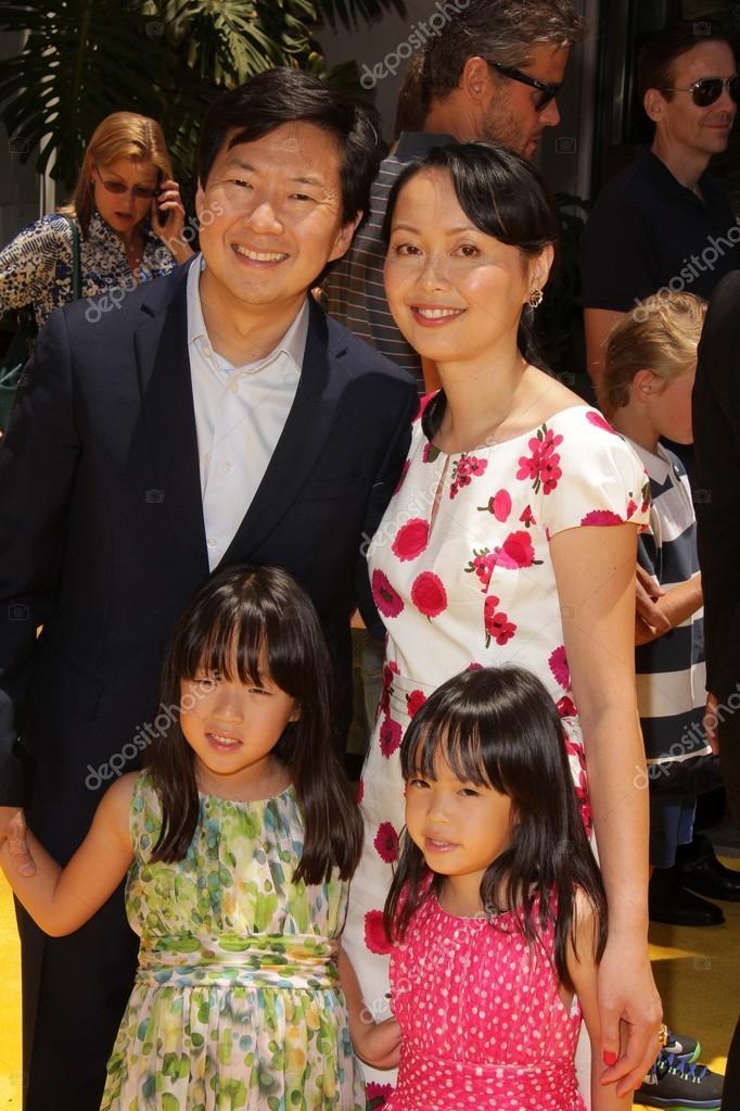 Ken Jeong and family – Stock Editorial Photo © s_bukley ...