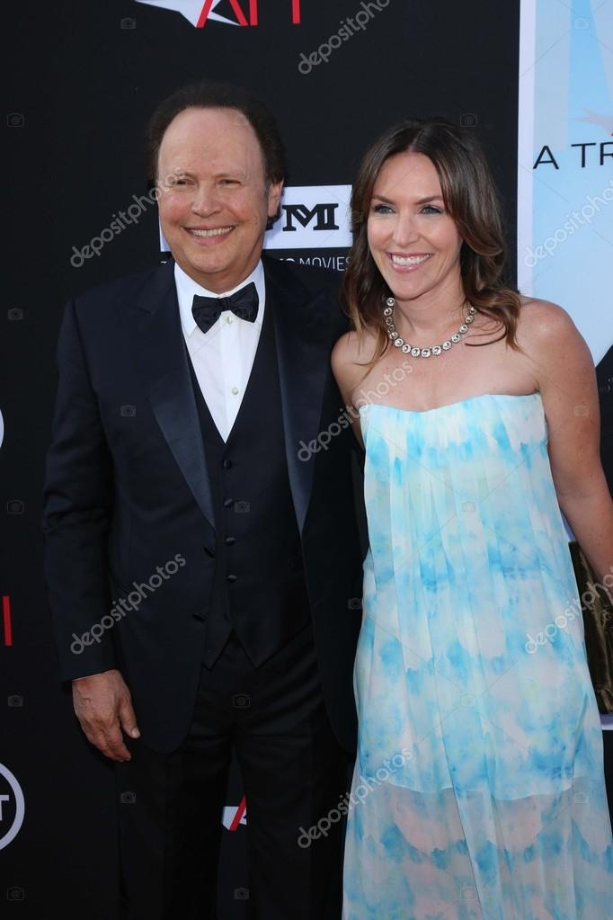 Billy Crystal and daughter Jennifer Foley – Stock Editorial Photo ...