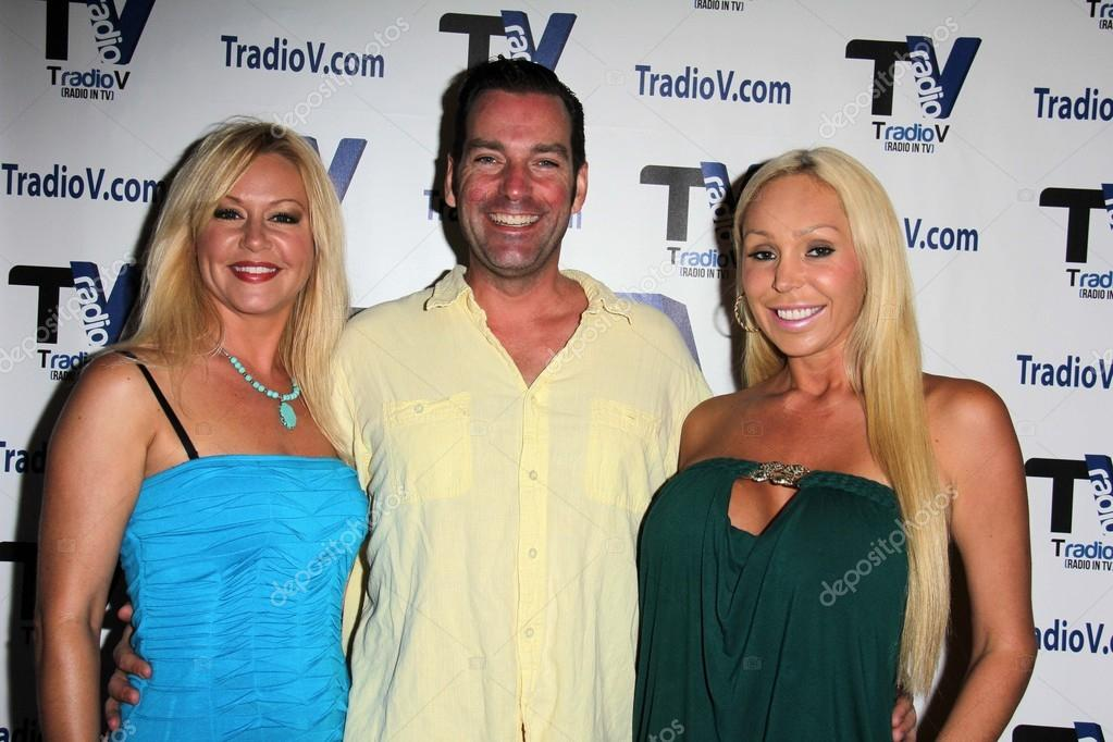 Beverly Lynne Dave Wurmlinger Mary Carey On The Set Of Politically Naughty With Mary Carey Tradiov Studios Los Angeles Ca  Photo By