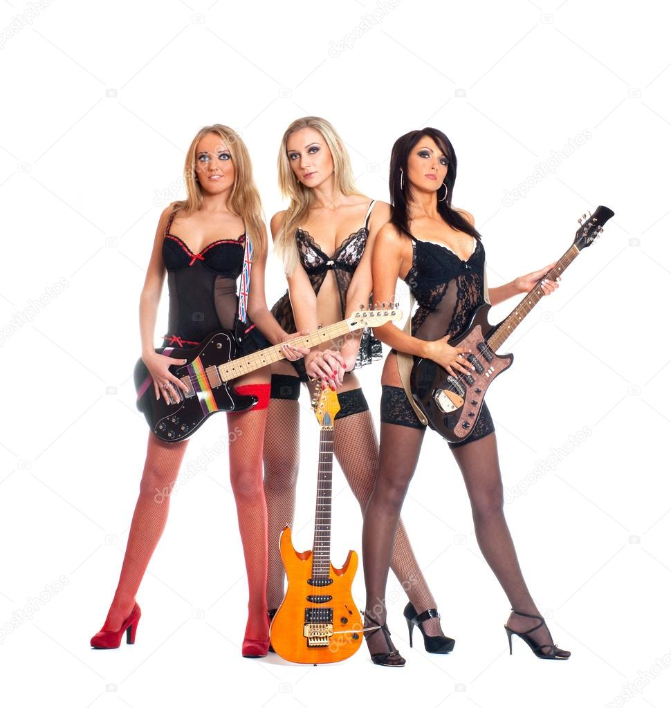 [LE TOPIC A LA CON] le dernier qui poste... poste - Page 33 Depositphotos_15653751-stock-photo-female-rock-band