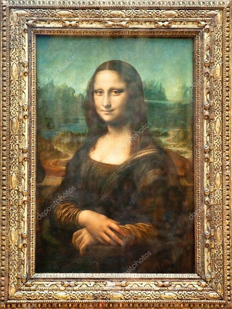 PARIS - AUGUST 16: Mona Lisa by the Italian artist Leonardo da Vinci  at the Louvre Museum, August 16, 2009 in Paris, France.
