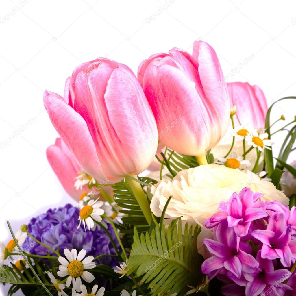 Bouquet di fiori primaverili su sfondo bianco isolato - Fiori primaverili ...