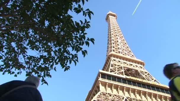 poblíž Eifellova věž