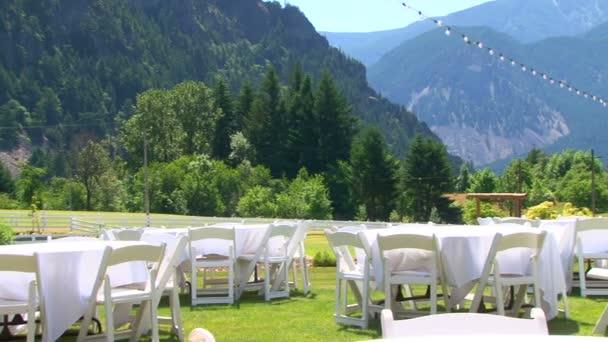 tabulky pro svatbu v horách