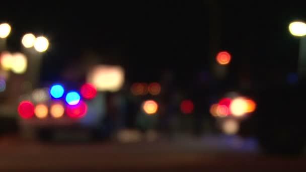 Portland, oregon downtown - circa 2012: rack hangsúlyt rendőr és fbi ügynök downtown a tetthelyre