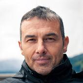 Fotografie zblízka muže portrét venkovní