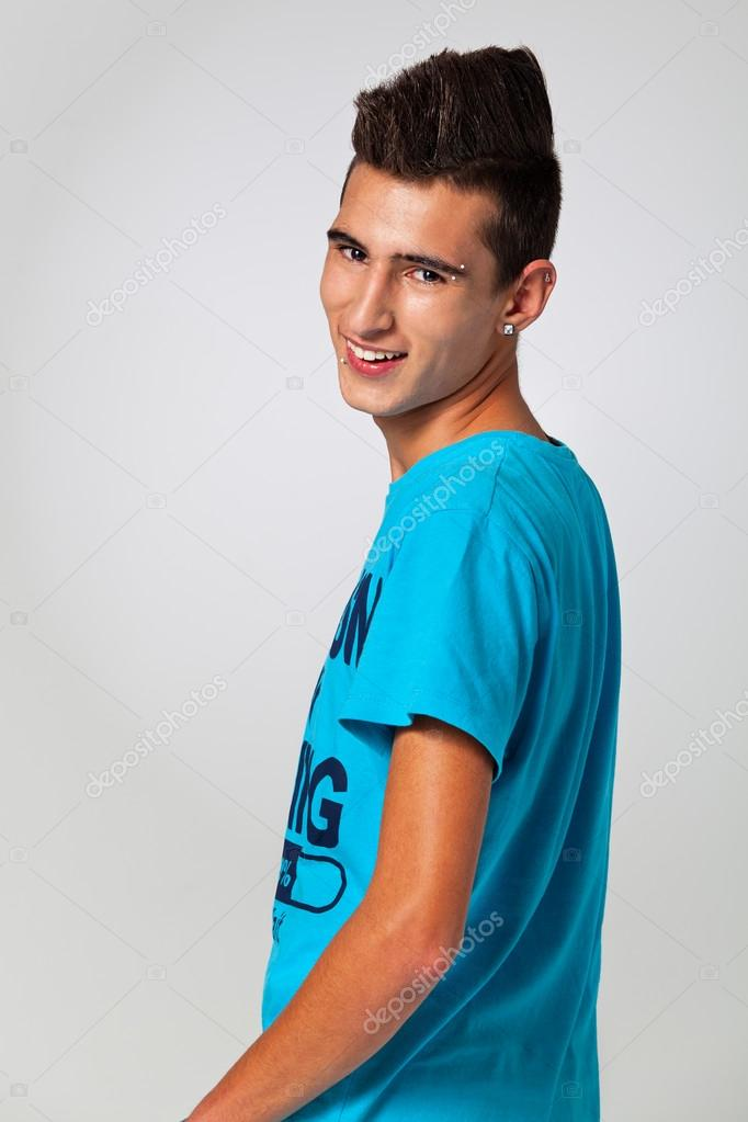 Moda Adolescente Con Cresta De Pelo Fotos De Stock C Workshopexp - Cresta-pelo