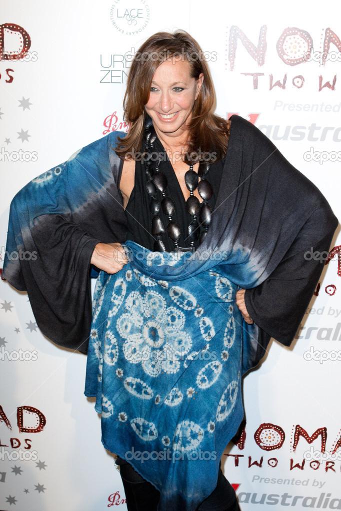 f9561ecc8355 Μόδα σχεδιαστής   δημιουργός της dkny ετικέτα ρούχα donna karan φτάνει στο  Λος Άντζελες γκαλά nomad