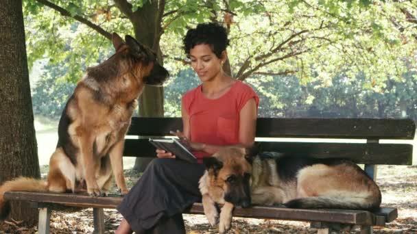 depositphotos_31213881-stock-video-woman-working-as-dog-sitter.jpg