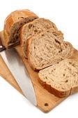 Nůž, nasekané žitný chléb