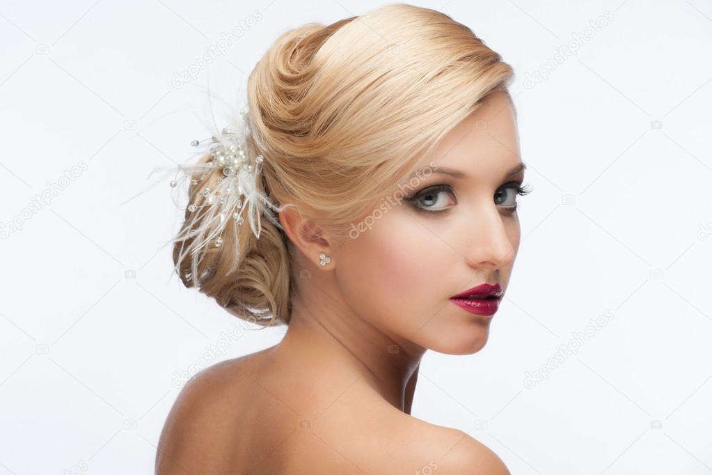 Madchen Mit Frisur Und Make Up Stockfoto C Malyuginphoto 39676605