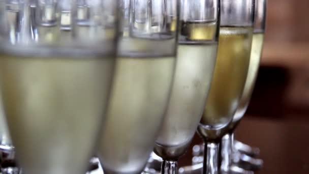 šumivá a bublinky šampaňského