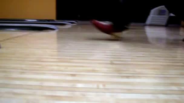 červená bowling bowl set zasáhnout kolíky