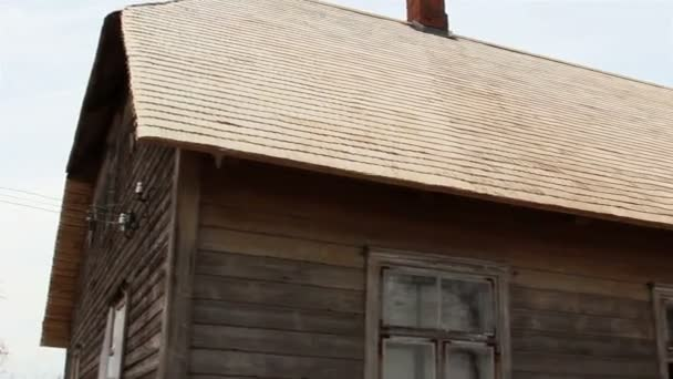 dřevěné šindele z kabiny domu