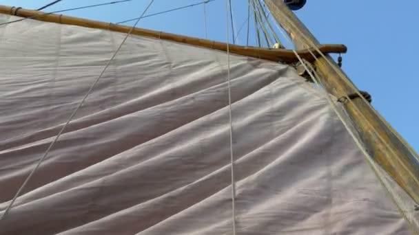 Vyvolání velké vikingské vlajky připravené k vyplutí Gh4 UHD