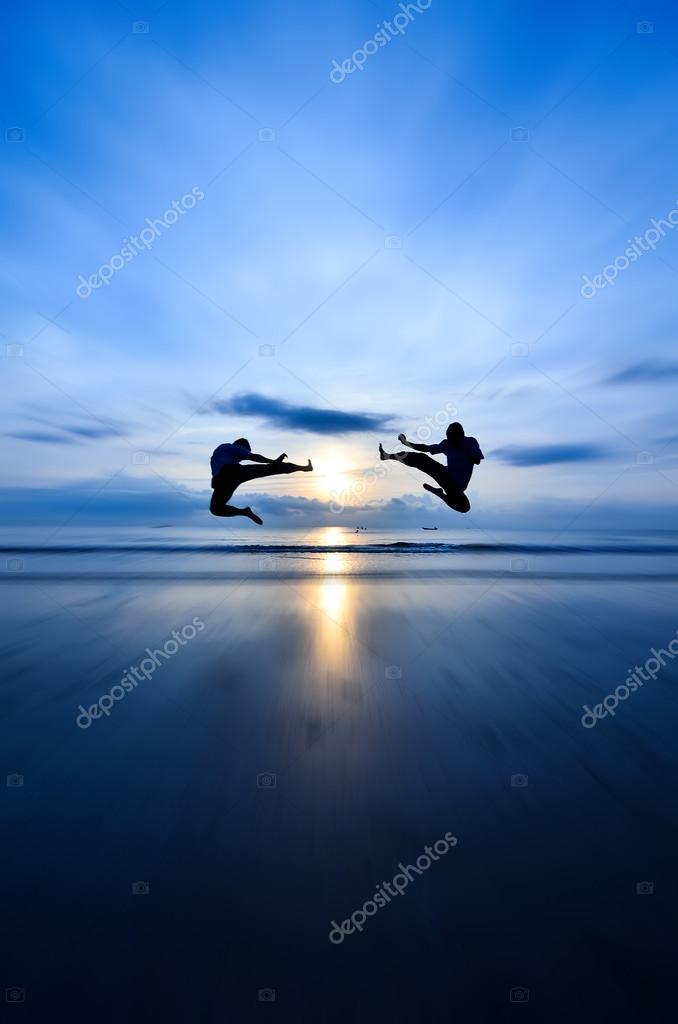 Flying kick VS flying kick