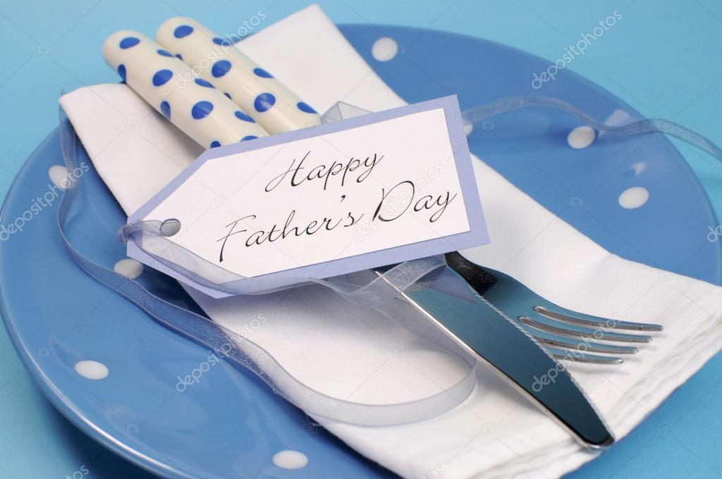fathers day table - 800×531
