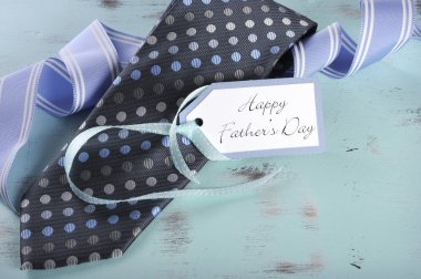 Happy Fathers Day tie gift and greeting tag