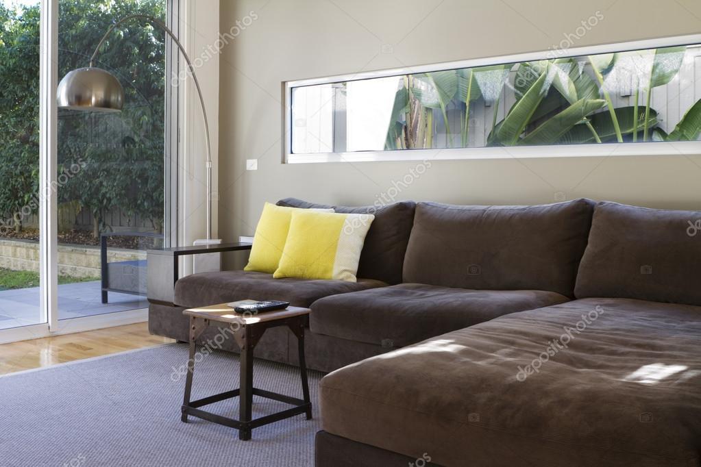 Eigentijdse lounge sofa interieur u2014 stockfoto © jodiejohnson #45969595