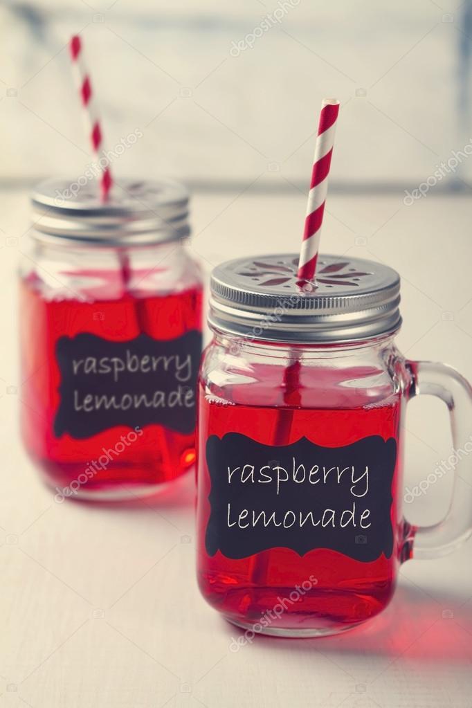 Mason Jar Limonade Party Getränke — Stockfoto © jodiejohnson #49865989