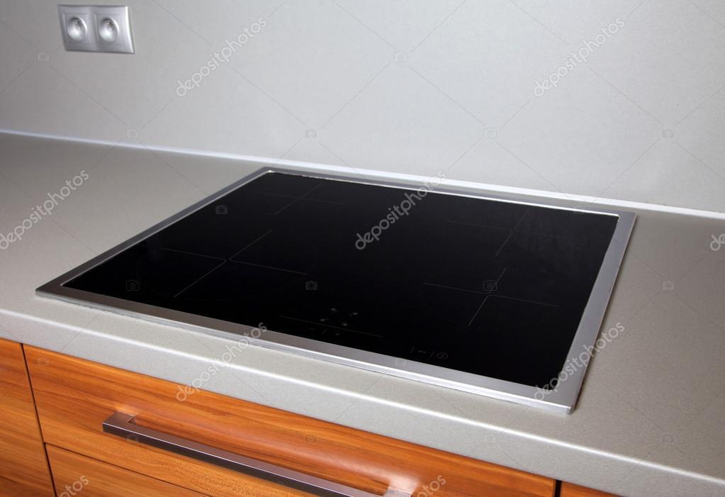 piano cottura a induzione moderno — Foto Stock © jarino #49686763