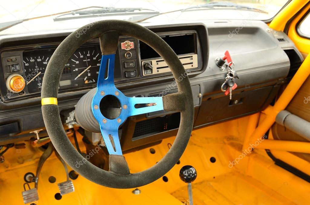 Voiture de rallye vintage l 39 int rieur photographie for Interieur de voiture