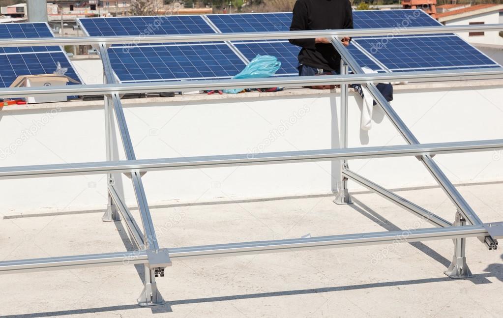 Estrutura De Suporte Para Painel Solar Fotografias De