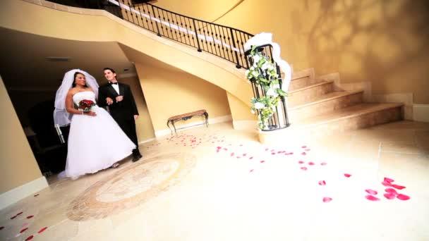 nevěsta a ženich formální svatební oblečení