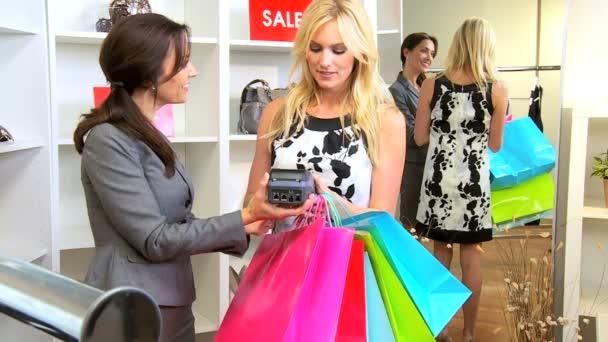 samice zákazník kreditní kartu módní obchod