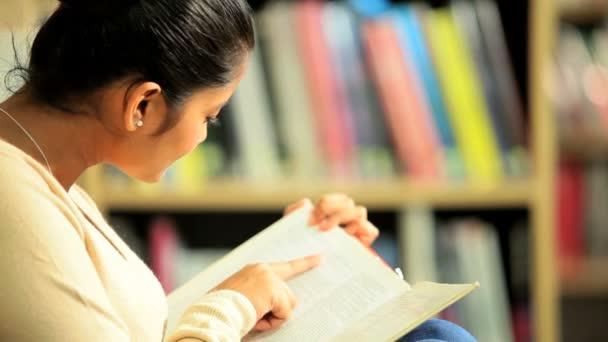 indických studentů vysokoškolské vzdělání v areálu