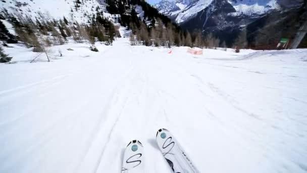 sníh lyžování na sjezdovce