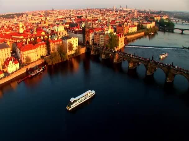 Letecký pohled na říční doprava  Prahy