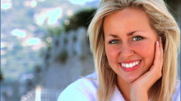 krásná blondýnka užívat wellness lifestyle
