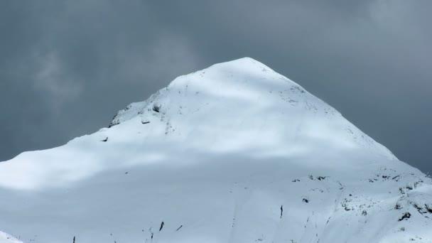 Time-Lapse mraky na švýcarských hor