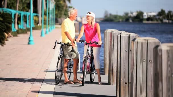 aktivní senioři cyklistické